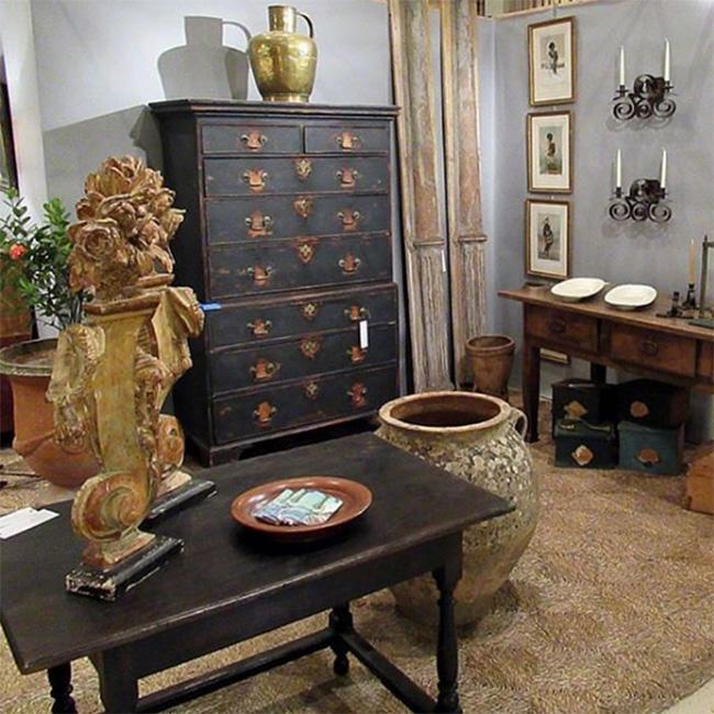 Antiques + Modernism Show
