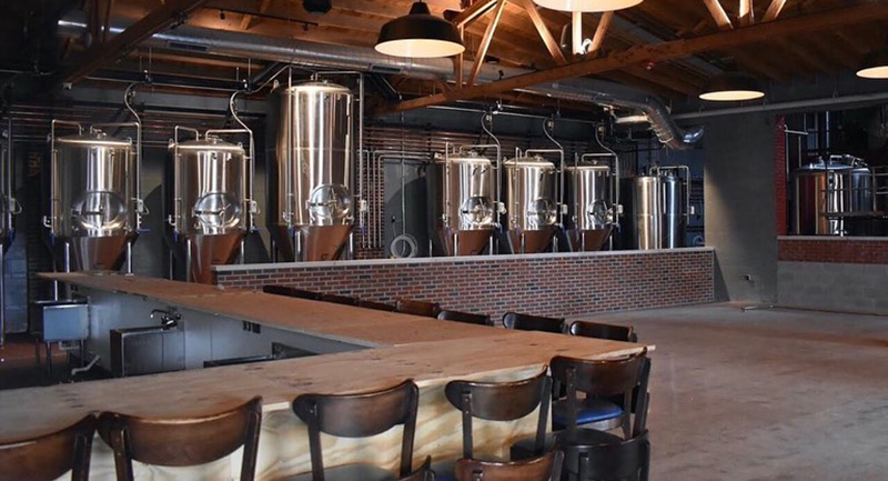 Double Clutch Brewing Company, Evanston
