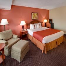 Holiday Inn North Shore