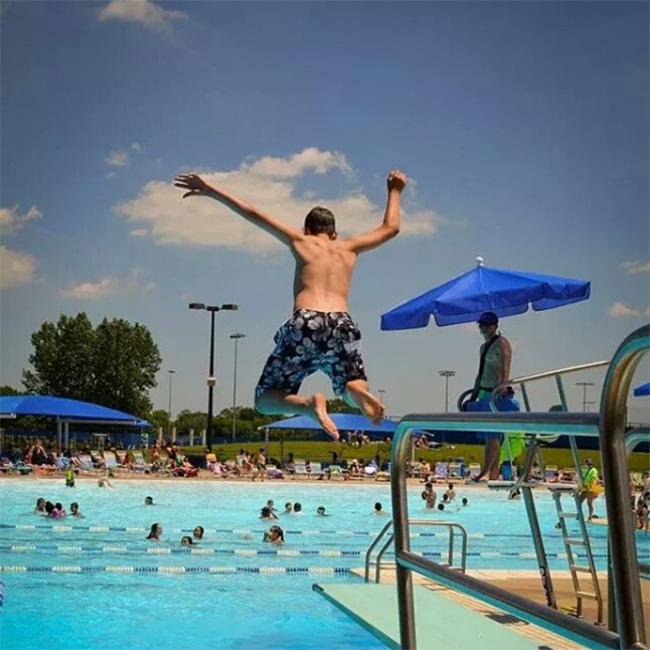 Wheeling Family Aquatic Center