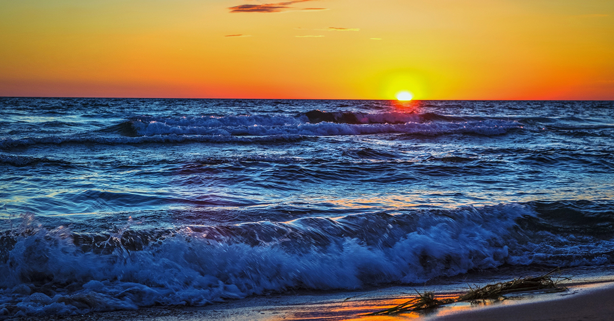 Best Places to Watch a Sunrise or Sunset on Chicagos North Shore